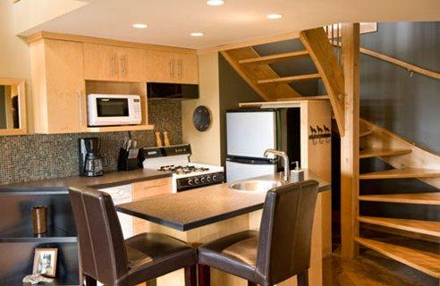 modern small kitchen-wooden cabinets