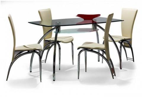 luxuriöse Stühle und Tische für die Küche