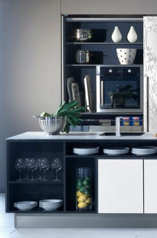modern kitchen cabinet-white dishes