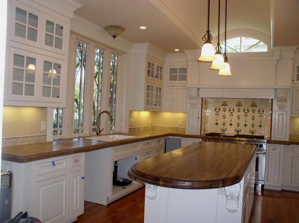 beautiful kitchen-victorian look-white cabinets