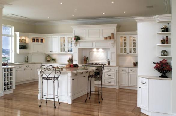 traditionelle klassische weiße Küche Design